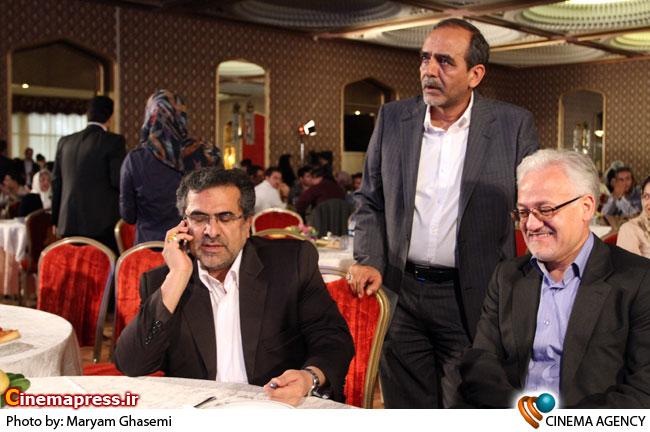 محسن علی اکبری و شمقدری در مراسم اختتامیه نخستین جشنواره فیلم های ویدئویی تهران