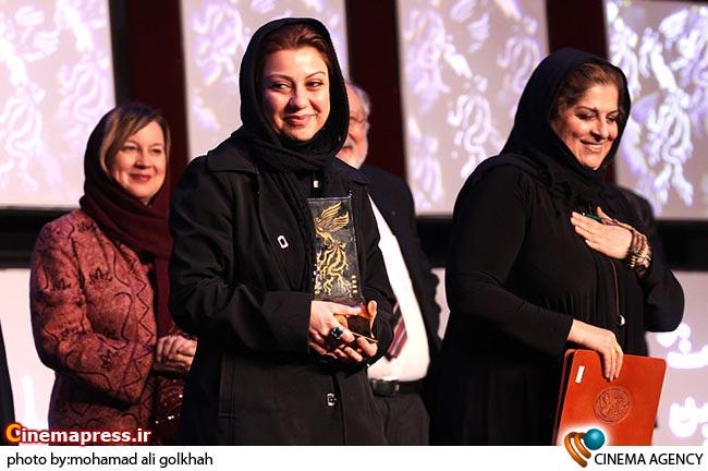 نگار آذربایجانی بهترین کارگردان در اختتامیه بخش بین الملل بیست و نهمین جشنواره فیلم فجر