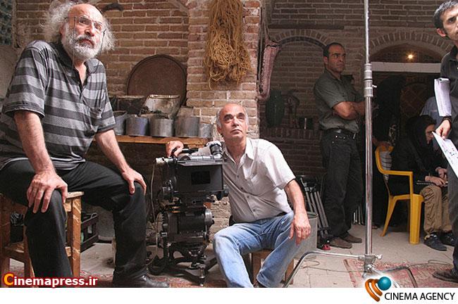 کیانوش عیاری کارگردان در پشت صحنه فیلم خانه پدری