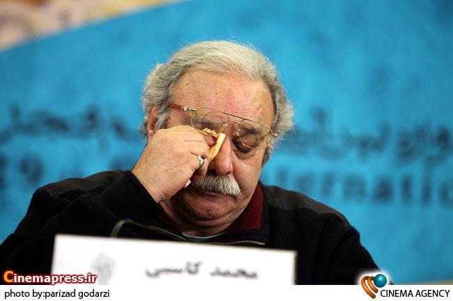 محمد کاسبی بازیگر در نشست خبری فیلم آسمان هشتم