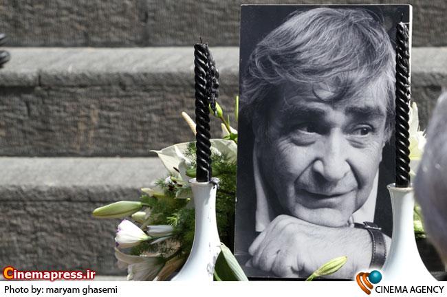 مراسم تشییع پیکر «حمید سمندریان» پدر تئاتر ایران