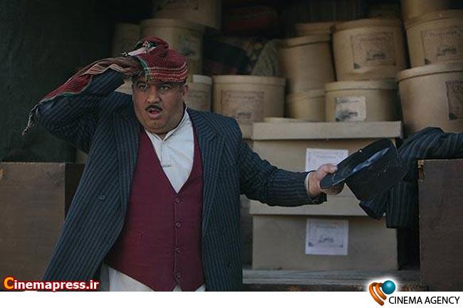 نادر سلیمانی در سریال تلویزیونی «کلاه پهلوی» به کارگردانی ضیاءالدین دری