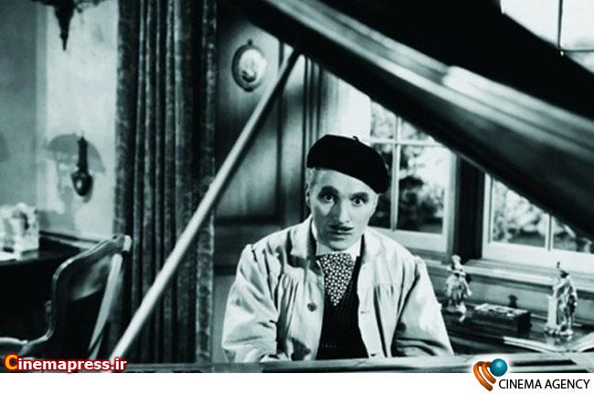 چارلی چاپلین اسطوره سینمای صامت در نمایی از فیلم