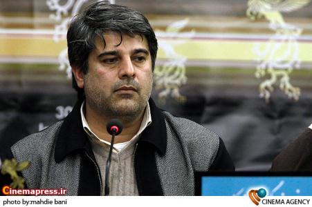 جواد نوروزبیگی تهیه کننده در نشست فیلم یک سطر واقعیت در سی امین جشنواره فیلم فجر