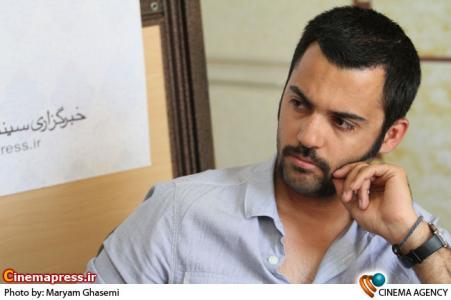 آیدین ظریف طراح صحنه فیلم شبانه روز در نشست فیلم در خبرگزاری سینما