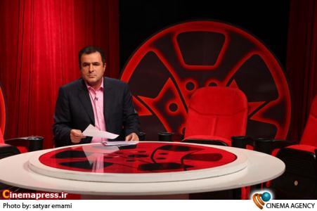 محمود گبرلو مجری در پشت صحنه سری جدید برنامه تلویزیونی «هفت»