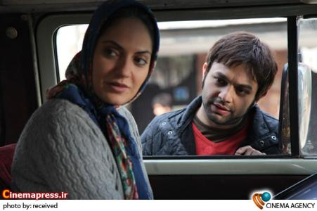 صابر ابر و مهناز افشار در فیلم برف روی کاج ها به کارگردانی پیمان معادی