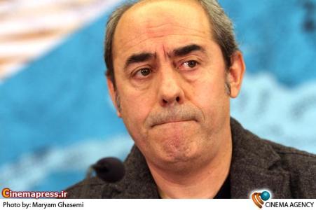 کمال تبریزی کارگردان در نشست خبری فیلم خیابان های آرام