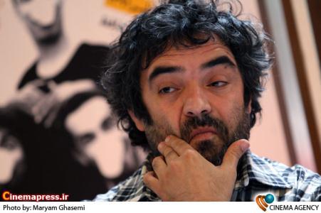 حسن معجونی کارگردان نمایش مترسگ در نشست خبری