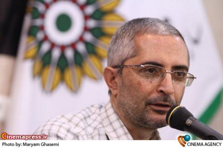 سلطان محمدی: مدیران سازمان سینمایی برای محبوب کردن مدیرعامل جدید انجمن سینمای جوانان اقدام به اضافه کردن بخش فیلم کوتاه به جشنواره فجر کرده اند