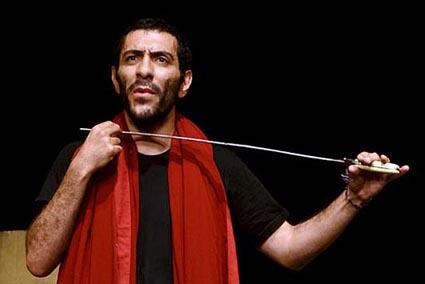 علیرضا مهران در نمایش نزدیک تر