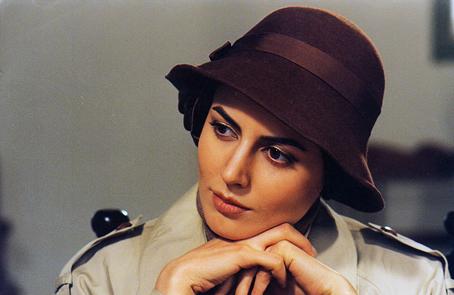 لیلا حاتمی در کیف انگلیسی