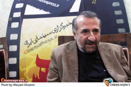 مهران رجبی در غرفه خبرگزاری سینما ایران در هجدهین نمایشگاه مطبوعات